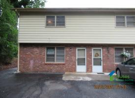 Primary image of 24 Lakeview Circle #1