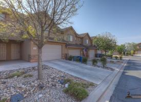 Primary image of 1000 E Bluffview Dr #29