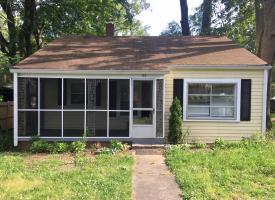 Primary image of 107 W. Laurel Avenue