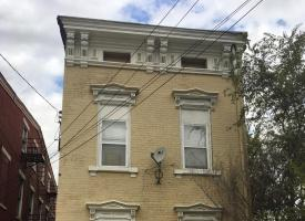 Primary image of 1130 Draper St