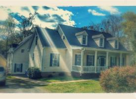 Primary image of 212 Laurel Ave.