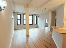 Primary image of 2828 Euclid Ave, Unit 202