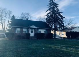 Primary image of 5892 White Pine Dr